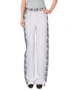 Повседневные брюки EMANUEL UNGARO. Цвет: белый
