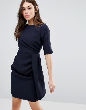 Vesper Платье-футляр с рукавами 3/4 и складками. Цвет: темно-синий