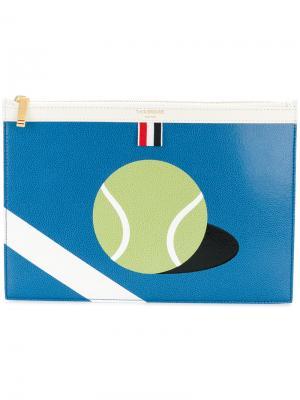 Small Zipper Tablet Holder (29.5x20cm) With Tennis Ball Intarsia In Pebble Grain & Calf Leather Thom Browne. Цвет: синий