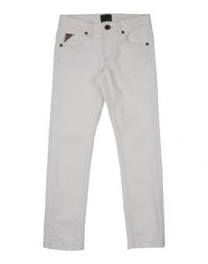 Джинсовые брюки FENDI. Цвет: белый