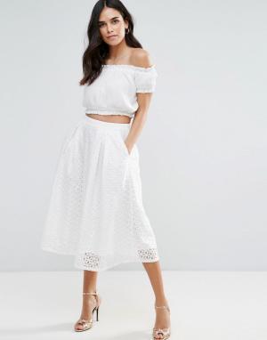 Liquorish Кружевная юбка миди со складками. Цвет: белый