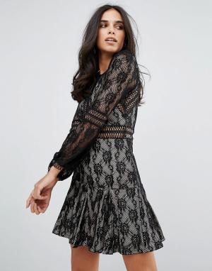 Forever Unique Кружевное свободное платье с длинными рукавами. Цвет: черный