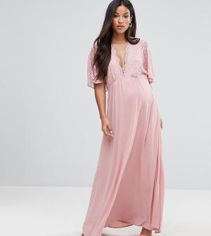 Queen Bee Платье макси в стиле кимоно с кружевной отделкой Maternity. Цвет: розовый