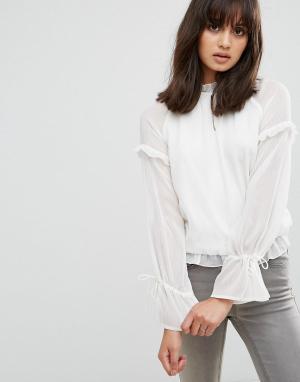 Pieces Полупрозрачная блузка с завязками на рукавах. Цвет: белый