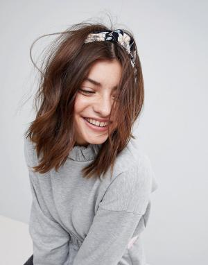 ASOS Повязка на голову с цветочным принтом. Цвет: черный