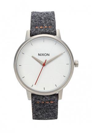 Часы Nixon. Цвет: коричневый