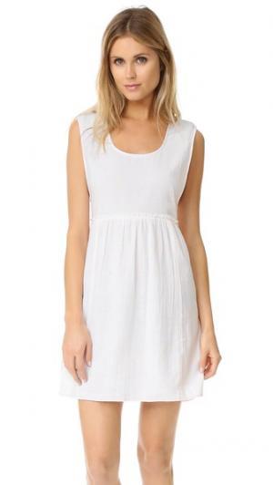 Платье без рукавов Surf Bazaar. Цвет: белый