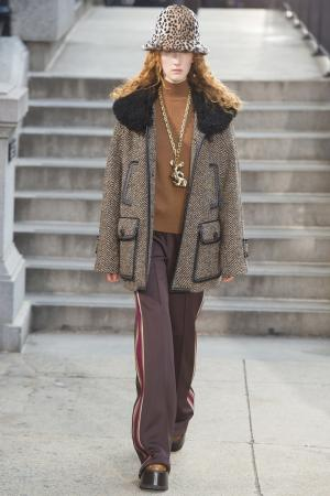 Трикотажные брюки Marc Jacobs. Цвет: коричневый