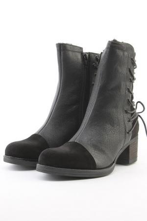 Ботинки закрытые Ita. Цвет: черный