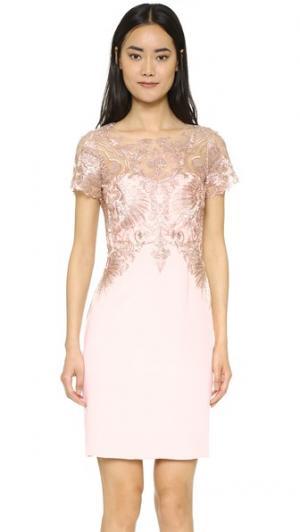 Коктейльное платье-футляр Marchesa Notte. Цвет: розовый