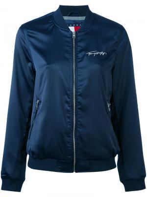 Куртка-бомбер с вышивкой логотипа Tommy Jeans. Цвет: синий