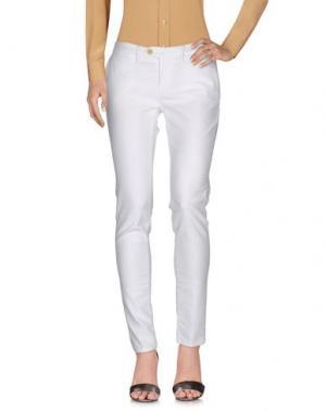 Повседневные брюки OAKS. Цвет: белый