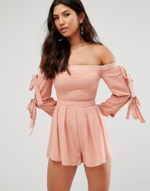 Girl In Mind Ромпер с открытыми плечами и завязками на рукавах. Цвет: розовый