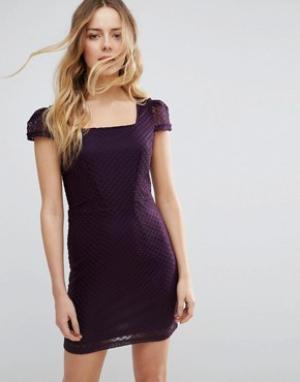 Jasmine Фактурное платье-футляр. Цвет: фиолетовый