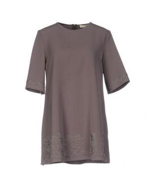 Короткое платье VICOLO. Цвет: голубиный серый