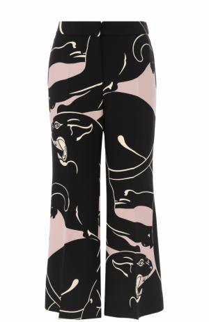 Расклешенные шелковые брюки с принтом Valentino. Цвет: черный