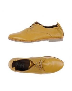 Обувь на шнурках LILIMILL. Цвет: охра