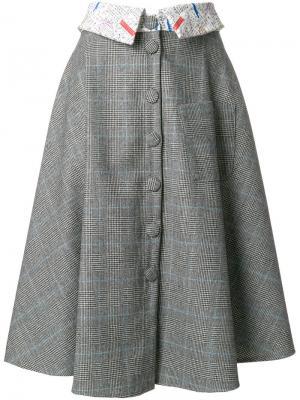 Расклешенная юбка в клетку Ultràchic. Цвет: серый