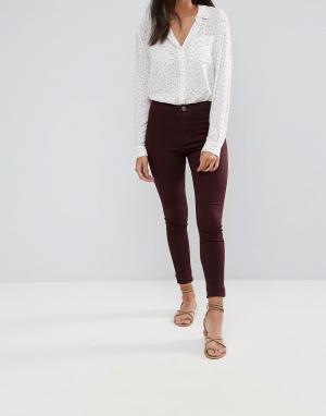 Glamorous Зауженные джинсы. Цвет: красный
