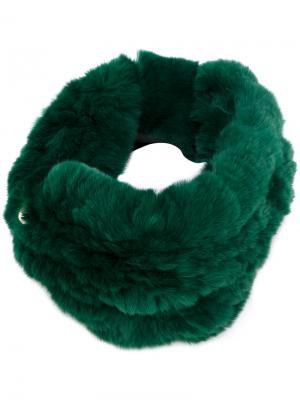 Меховой ободок для волос Yves Salomon Accessories. Цвет: зелёный