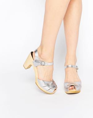 Swedish Hasbeens Серебристые босоножки на высоком каблуке с открытым носком Has. Цвет: серебряный