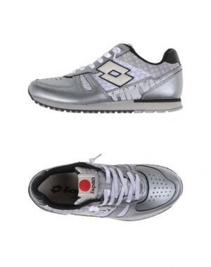 Низкие кеды и кроссовки LOTTO LEGGENDA. Цвет: серый