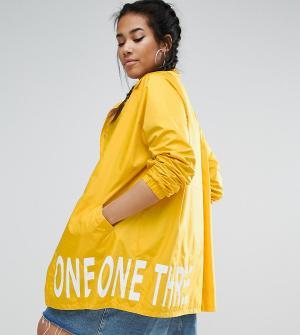One Three Куртка-дождевик с принтом на подкладке. Цвет: желтый