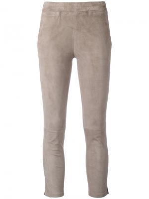 Укороченные брюки Arma. Цвет: телесный