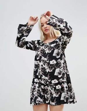 Rock & Religion Платье с цветочным принтом и оборкой. Цвет: черный