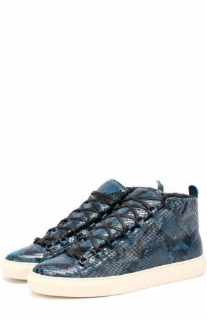 Высокие кожаные кроссовки с тиснением под питона Balenciaga. Цвет: синий