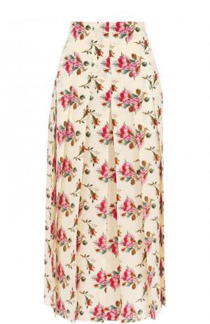 Шелковая юбка-миди в складку с принтом Gucci. Цвет: бежевый