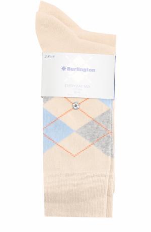 Комплект из двух пар хлопковых носков Burlington. Цвет: бежевый
