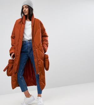 ASOS Tall Дутая куртка с варежками. Цвет: красный