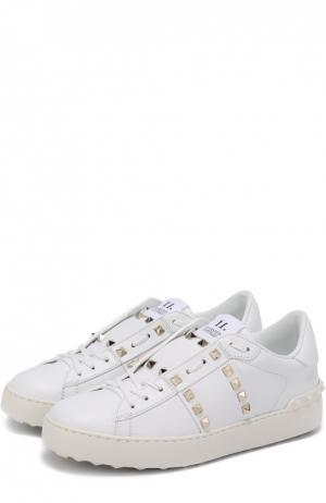 Кожаные кроссовки Rockstud Untitled Valentino. Цвет: белый