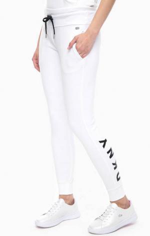 Белые брюки джоггеры из хлопка DKNY. Цвет: белый