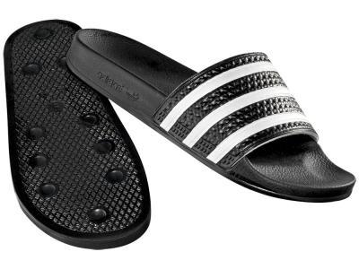 Сланцы Adidas. Цвет: черный, белый