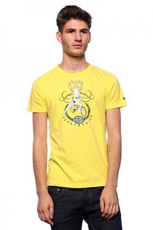 Футболка  Hot Mens Fitted T-Shirt Canary Dickies. Цвет: желтый