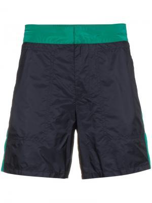 Плавательные шорты с полоской по бокам Prada. Цвет: синий
