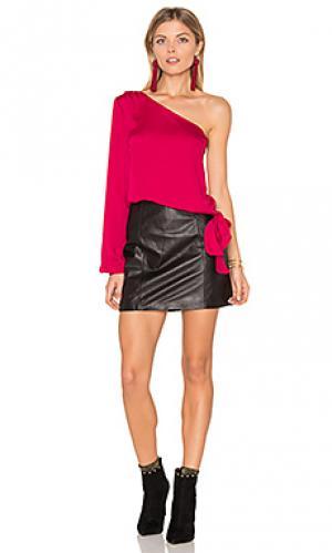 Блуза на одно плечо LAcademie L'Academie. Цвет: красный