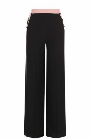 Шелковые брюки прямого кроя с лампасами Valentino. Цвет: черный