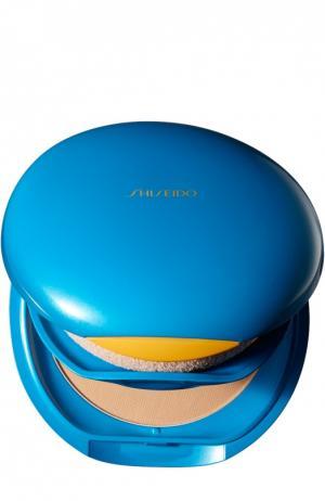 Солнцезащитное компактное тональное средство Suncare SPF 30 Shiseido. Цвет: бесцветный