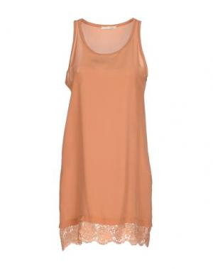 Короткое платье NIOI. Цвет: охра
