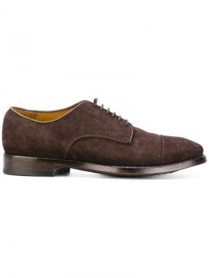 Классические туфли дерби Officine Creative. Цвет: коричневый
