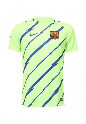 Футболка спортивная Nike. Цвет: зеленый