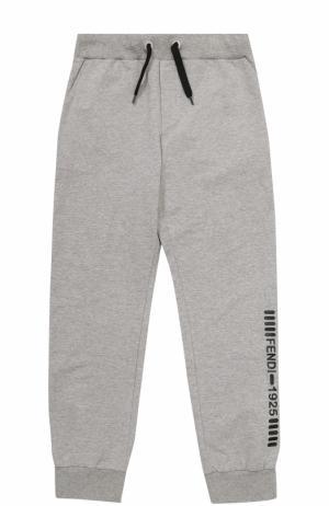 Спортивные брюки с эластичными манжетами и аппликацией Fendi Roma. Цвет: серый