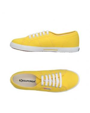 Низкие кеды и кроссовки SUPERGA®. Цвет: желтый