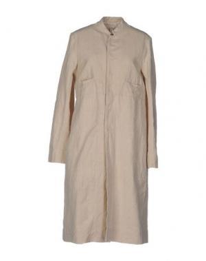 Легкое пальто DOSA. Цвет: бежевый