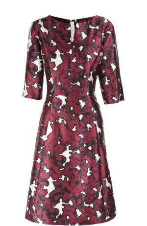 Приталенное платье с цветочным принтом и укороченным рукавом Oscar de la Renta. Цвет: бордовый
