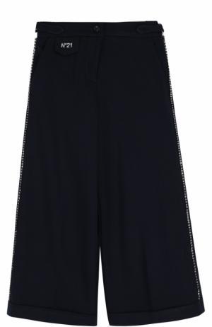 Трикотажные расклешенные брюки со стразами No. 21. Цвет: темно-синий