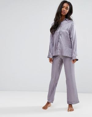 Boux Avenue Атласный пижамный комплект с рубашкой и штанами в полоску. Цвет: темно-синий